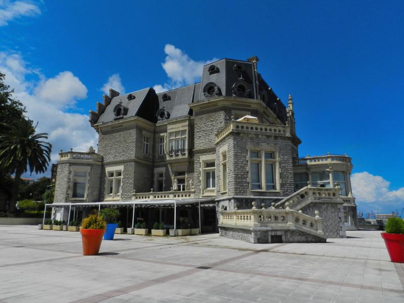 01_Palace Oriol